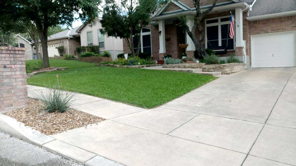 Fertilized residential lawn by C & K Lawn Services